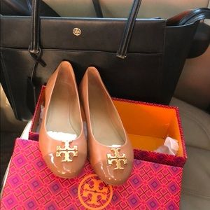 NEW Tory Burch Flats Size 7.5 Camel Color